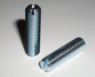 DIN 551 - установчий гвинт з прямим шліцом і плоским кінцем цинк білий